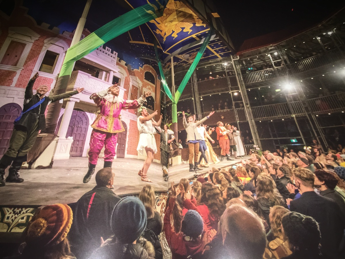 Melbourne sparkles : even as we go back to 1630 : Shakespeare's pop up globe